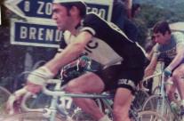 Passaggio sui Colli Berici (Giro del Veneto) Lino Farisato con Gimondi a ruota