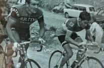 1971 – Lino Farisato (a destra), Passaggio sul Monte Serra, Toscana, Giro d'Italia